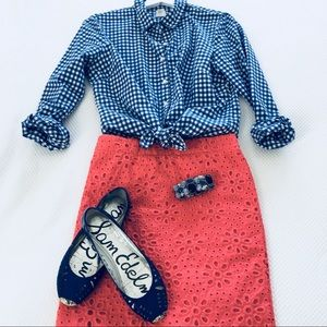 Coral daisy pattern eyelet pencil skirt